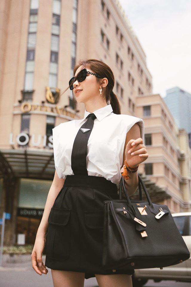 Kiếm tiền nhanh như Hòa Minzy: Trước bán túi lấy tiền làm MV, nay đã diện cả cây hàng hiệu nửa tỷ dạo phố-4