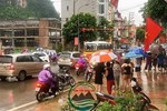 """Cận cảnh hố tử thần"""" khổng lồ ngay ngã tư ở Sài Gòn, nguyên nhân do cống tôn bị vỡ gây sụt đường-21"""