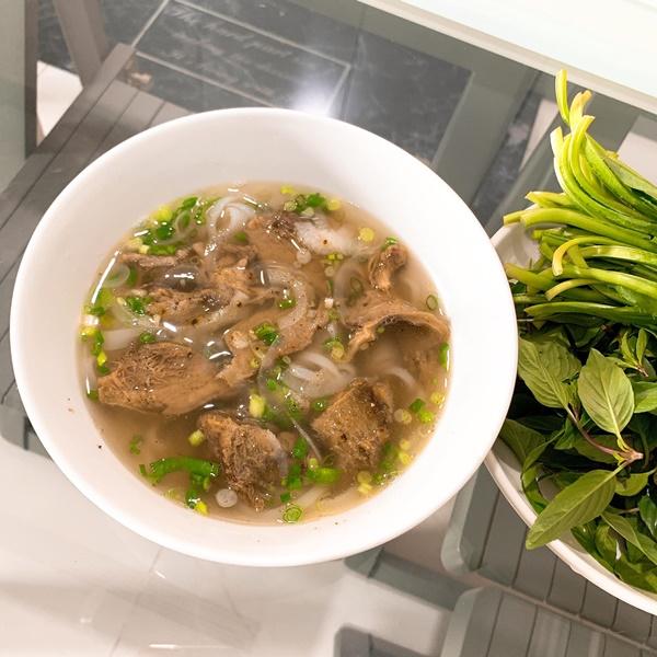 Đón con trai về đoàn tụ, Lê Phương vào bếp là đặc biệt chú ý đến món ngon này-6