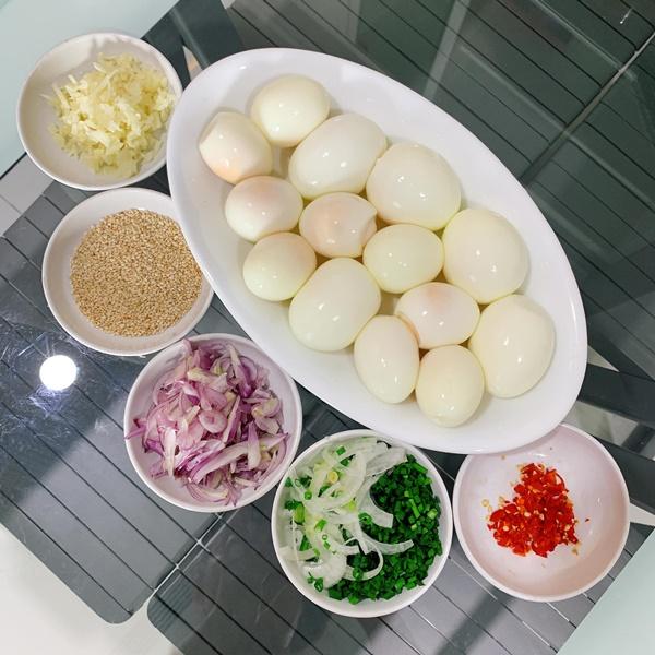 Đón con trai về đoàn tụ, Lê Phương vào bếp là đặc biệt chú ý đến món ngon này-9