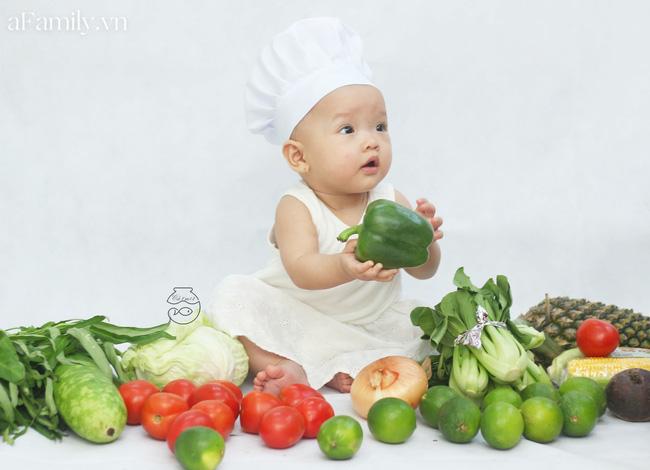 Nhờ mỗi chiếc nồi luộc gà và rau củ trong bếp, mẹ trẻ giúp con có ngay bộ ảnh xịn mịn chẳng kém gì ngoài tiệm-5