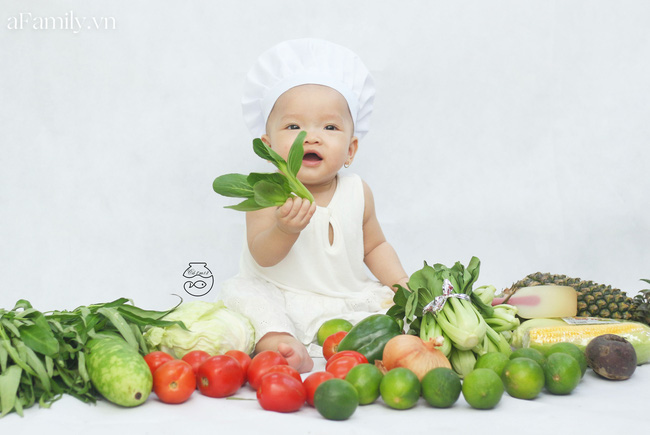 Nhờ mỗi chiếc nồi luộc gà và rau củ trong bếp, mẹ trẻ giúp con có ngay bộ ảnh xịn mịn chẳng kém gì ngoài tiệm-7