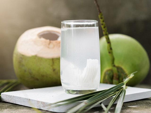 Bà bầu uống nước dừa từ tháng thứ mấy là tốt nhất? Đọc xong mẹ nào cũng giật mình vì đã uống sai thời điểm-1