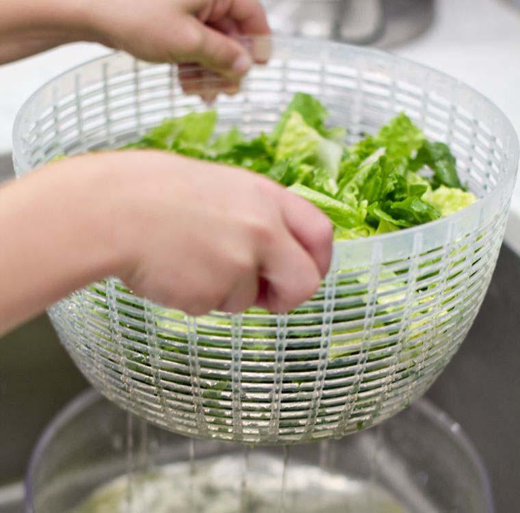 Chỉ bằng 1 tờ giấy, mách bạn mẹo bảo quản rau xanh trong tủ lạnh được lâu vào mùa dịch-3