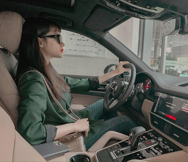 Giàu lại thêm giàu, Hương Giang - Matt Liu về chung nhà thì tài sản thêm khủng: Chàng thích siêu xe tốc độ, nàng thích bất động sản-1