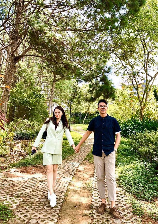Bạn trai giàu có của Hương Giang, CEO Matt Liu, lộ ảnh thời trẻ khác lạ như thành viên HKT duy chỉ có điểm này là không đổi-1
