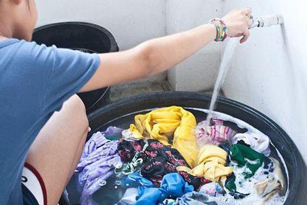 WHO khuyến cáo: Đi chợ, rửa rau, giặt đồ trong mùa COVID-19, cần thực hiện đúng