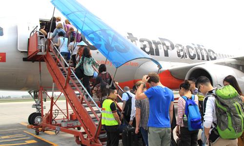 Vắng khách thừa ghế, giá vé máy bay lại rẻ bèo-1