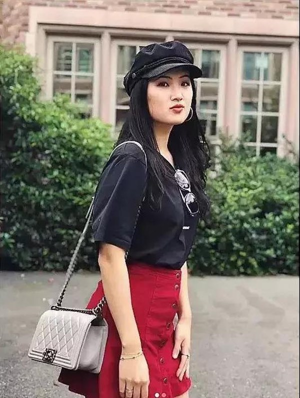 Loạt ảnh ái nữ của ông trùm Huawei: Học giỏi, bình dị nhưng khi khoác lên chiếc váy dạ hội lập tức trở thành công chúa kiều diễm vạn người mê-10