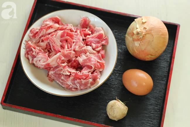 Học được của người bạn Nhật cách nấu cơm thịt bò, tôi làm thử cả nhà ăn khen hết lời!-1