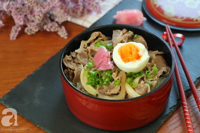 Học được của người bạn Nhật cách nấu cơm thịt bò, tôi làm thử cả nhà ăn khen hết lời!-6