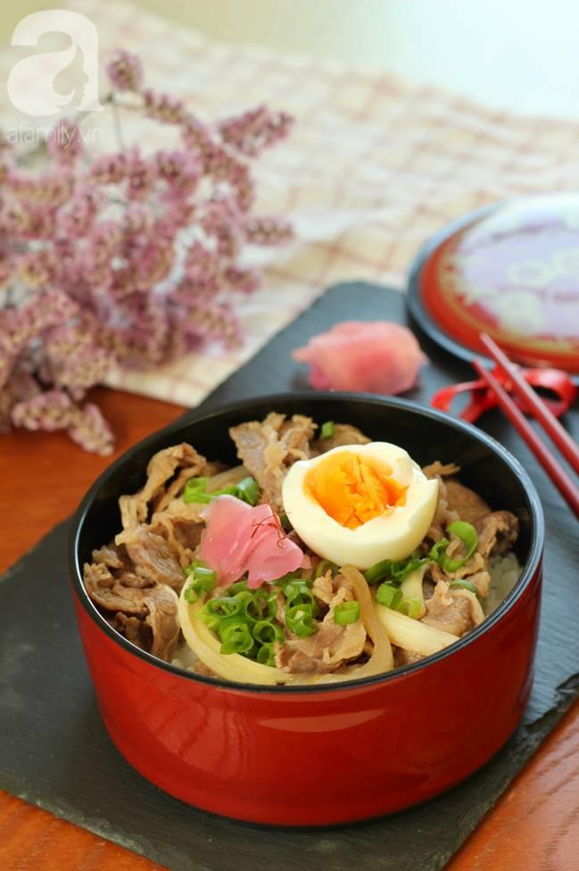 Học được của người bạn Nhật cách nấu cơm thịt bò, tôi làm thử cả nhà ăn khen hết lời!-7
