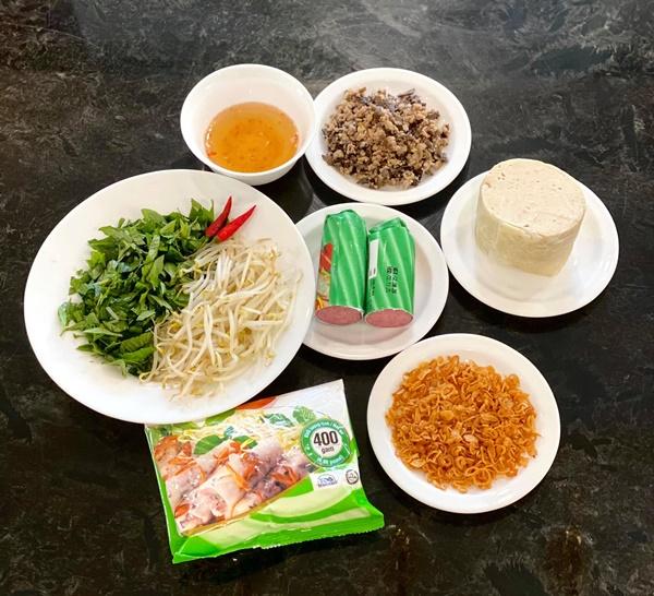 NSƯT Trịnh Kim Chi làm bánh cuốn nhìn hấp dẫn như mua ngoài hàng-2