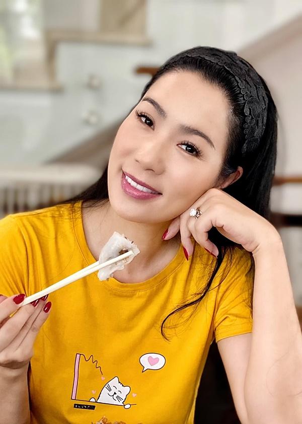 NSƯT Trịnh Kim Chi làm bánh cuốn nhìn hấp dẫn như mua ngoài hàng-10