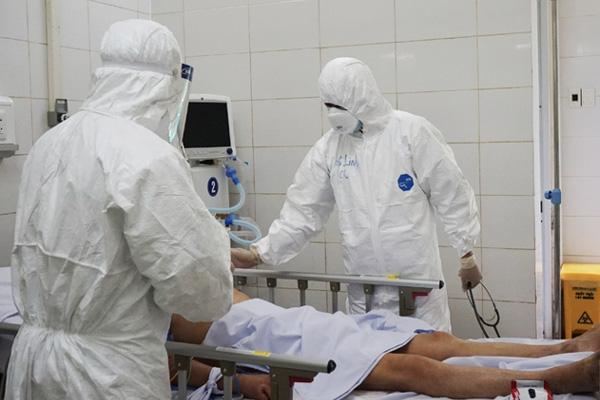 Người phụ nữ 55 tuổi bị phát hiện nhiễm COVID-19 sau khi đi đám tang có mặt 2 bệnh nhân khác-1