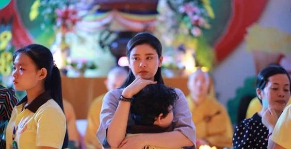 Con trai Trương Quỳnh Anh giờ chững chạc lắm rồi, mới 8 tuổi đã chịu xa mẹ 14 ngày tham gia khóa tu mùa hè-2
