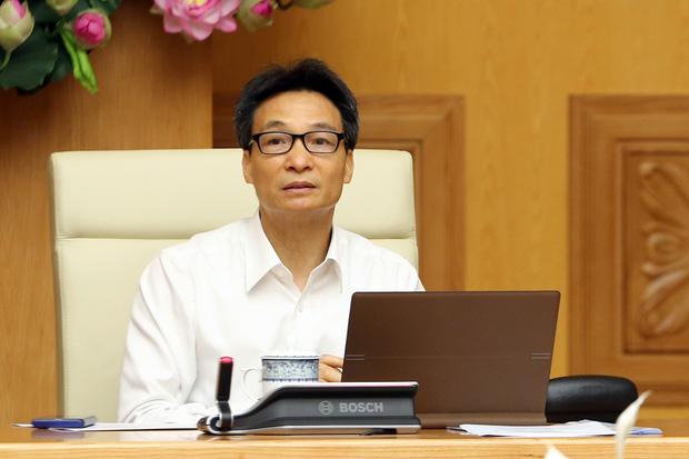 Phó Thủ tướng kêu gọi tất cả người dân, trước hết là các bạn trẻ hãy sử dụng công nghệ để phòng, chống dịch bệnh-1