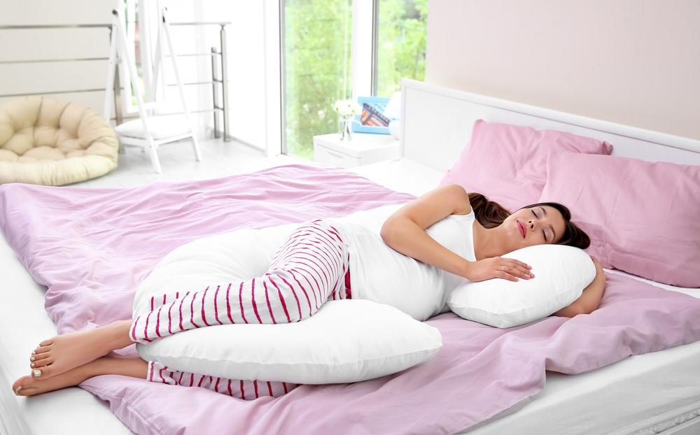 Tư thế ngủ của bà bầu ảnh hưởng thế nào đến sự phát triển trí não và thể chất của thai nhi?-4