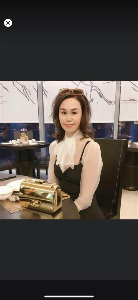 Mẹ của Matt Liu có bộ sưu tập túi hiệu chuẩn đại gia, xem chừng hợp cạ với con dâu tương lai Hương Giang quá đi thôi-2