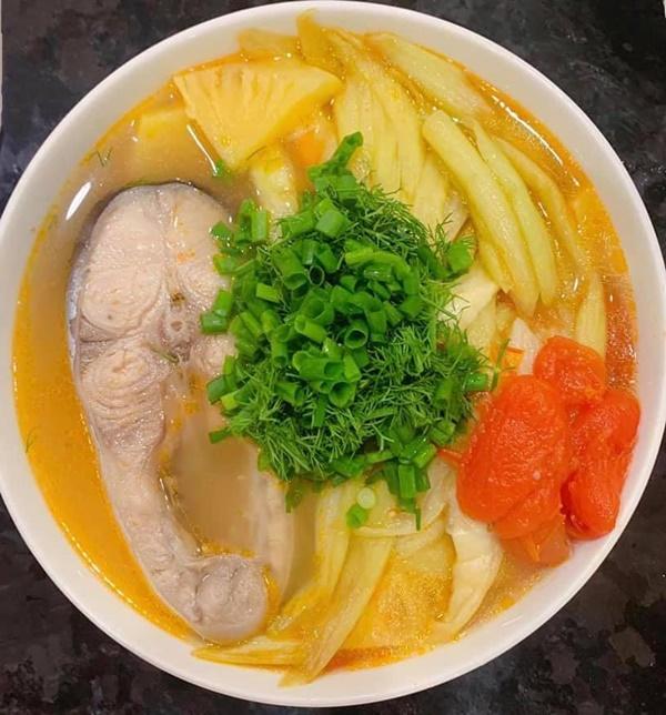 Là mẫu phụ nữ hiện đại nhưng Lã Thanh Huyền đã vào bếp là nấu toàn món ngon-4