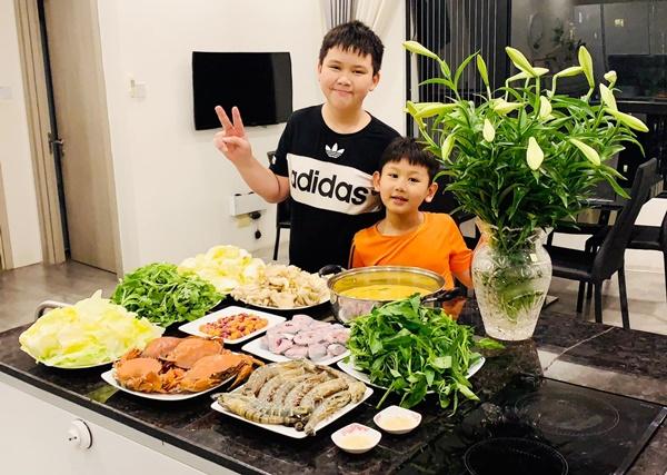 Là mẫu phụ nữ hiện đại nhưng Lã Thanh Huyền đã vào bếp là nấu toàn món ngon-13