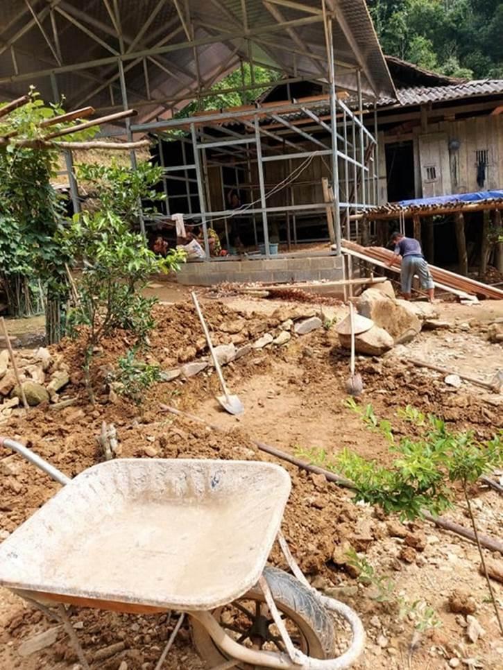 Chưa về nhà mới, cô dâu 63 tuổi ở Cao Bằng đã được dân mạng gợi ý xây thêm nhà cho mẹ chồng kém tuổi-4