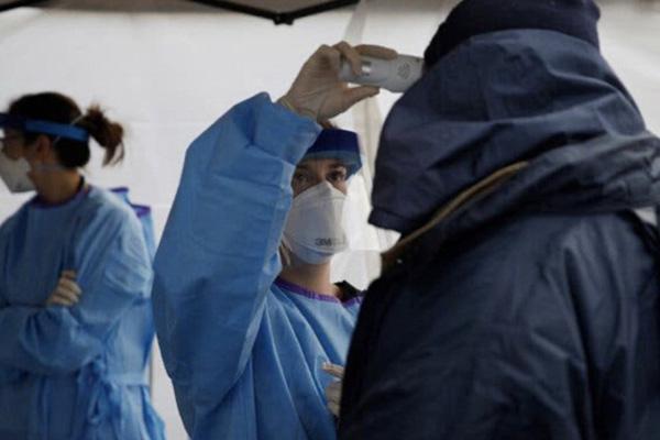 Chuyên gia lý giải các trường hợp siêu lây nhiễm SARS-CoV-2: Hội tụ 2 yếu tố