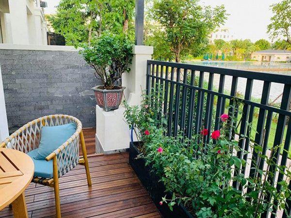 Vân Hugo đón con trai vào Sài Gòn ở biệt thự, trồng nhiều loại hoa quanh nhà vì hôn phu-10