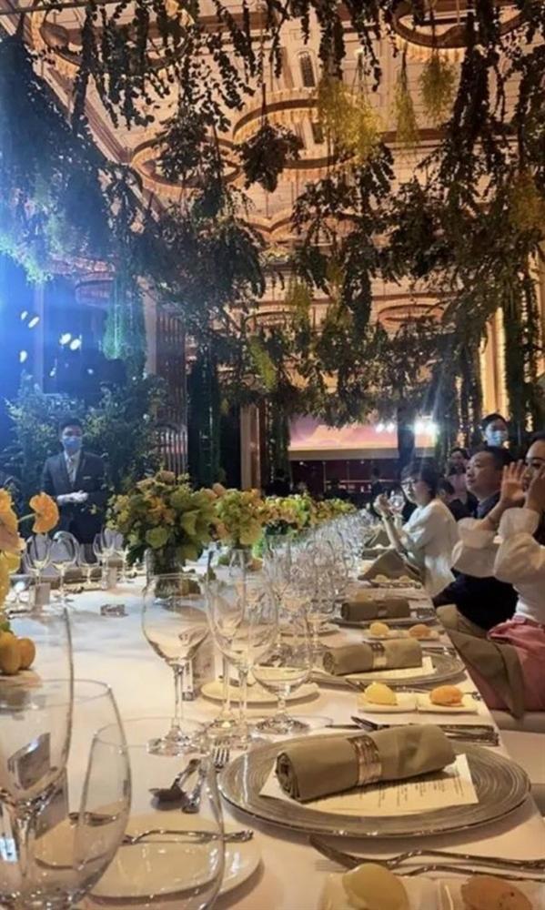 Công chúa út Vua sòng bài Macau hội ngộ dàn rich kid Trung Quốc, nghi vấn dấn thân vào showbiz cùng hội chị em giới siêu giàu-2
