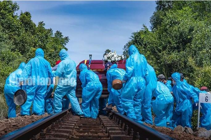 Nghẹn ngào cảnh đưa tang tại tâm dịch Covid-19 ở Quảng Nam-2