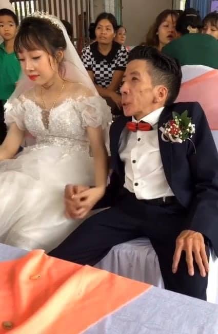 Đám cưới cổ tích của chàng trai khuyết tật và cô gái xinh đẹp: Tình yêu chỉ cần cảm xúc thật của cả hai là đủ!-3