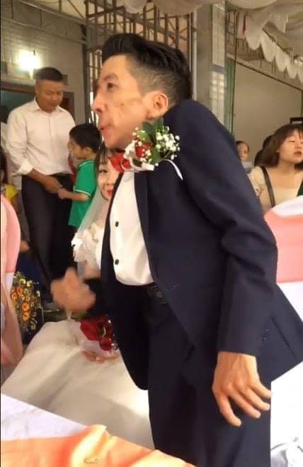 Đám cưới cổ tích của chàng trai khuyết tật và cô gái xinh đẹp: Tình yêu chỉ cần cảm xúc thật của cả hai là đủ!-4