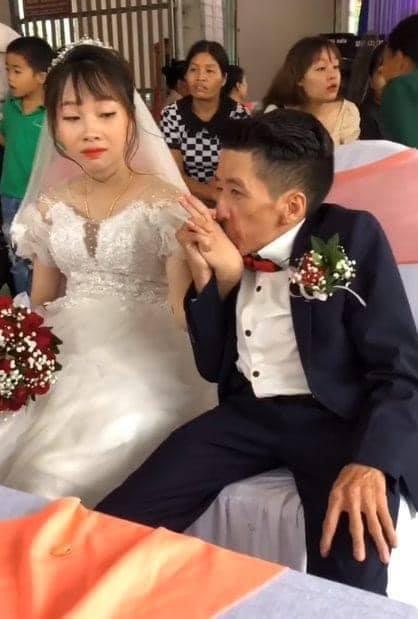 Đám cưới cổ tích của chàng trai khuyết tật và cô gái xinh đẹp: Tình yêu chỉ cần cảm xúc thật của cả hai là đủ!-5