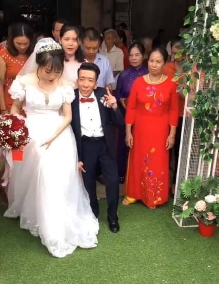 Đám cưới cổ tích của chàng trai khuyết tật và cô gái xinh đẹp: Tình yêu chỉ cần cảm xúc thật của cả hai là đủ!-6