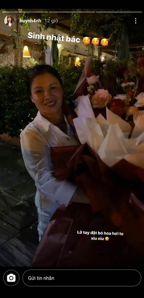 """Bạn gái cầu thủ Quang Hải tặng món quà khủng"""" đúng ý mẹ chồng tương lai nhân ngày sinh nhật, dân mạng khen nức nở vì còn trẻ mà rất tâm lý-1"""
