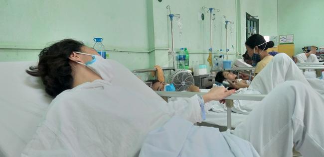 Người phụ nữ gãy xương sườn, tràn dịch màng phổi sau những cú đấm kinh hoàng của người đàn ông-5