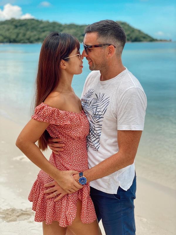 Hạnh phúc mặn nồng với chồng Tây, siêu mẫu Hà Anh bật mí chị em bí quyết giữ lửa hôn nhân-6