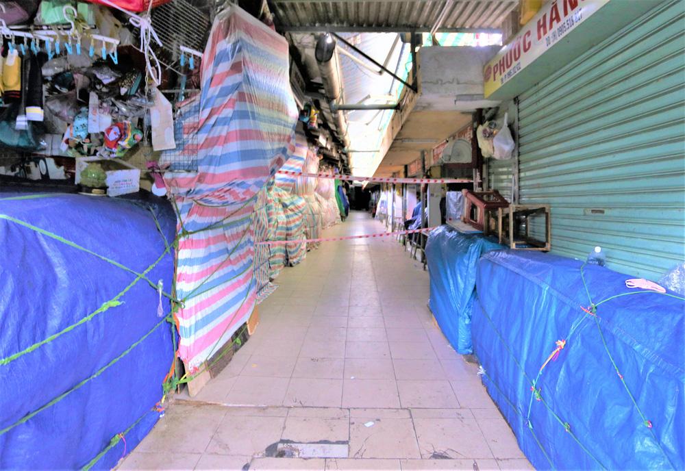 Ảnh: Ngày đầu người dân Đà Nẵng thực hiện đi chợ bằng phiếu ngày chẵn lẻ-20