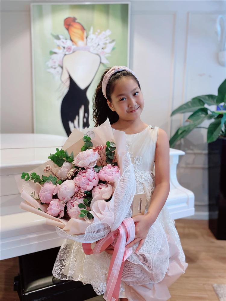 Bé Chíp nhà Mạnh Trường gây bất ngờ vì ngoại hình lớn bổng, cách nuôi dưỡng của bố mẹ khiến nhiều người ngưỡng mộ-13
