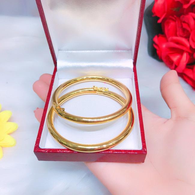 Ép cô dâu trong đêm tân hôn phải đưa vàng cho mẹ chồng giữ với lí do đỡ thất thoát, chú rể vấp phải màn vùng lên không thể tin từ cô vợ đáo để-1