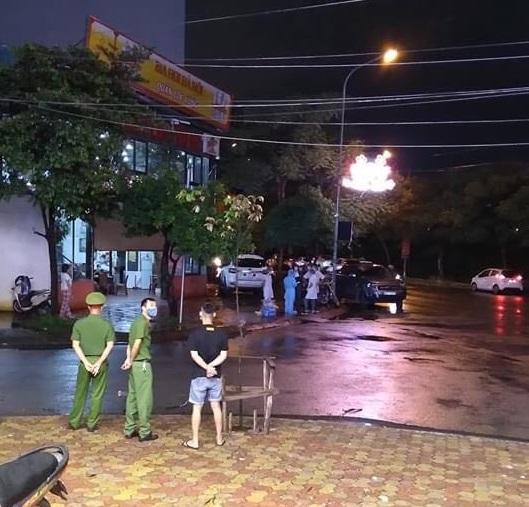 Lịch trình ca dương tính với SARS-CoV-2 ở Hà Nội: Từng đi ăn cưới, làm nhà hàng-1