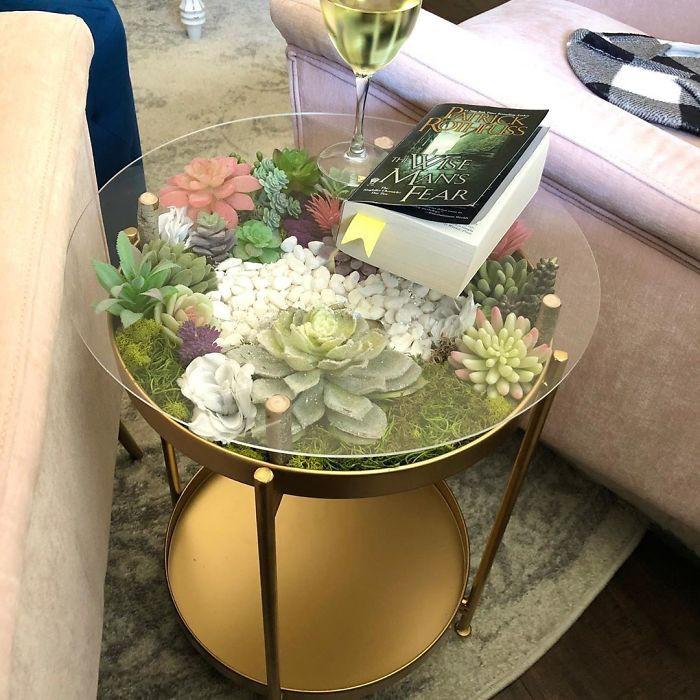 Bàn phủ đầy hoa lá rực rỡ trang điểm cho phòng khách thêm sinh động-4