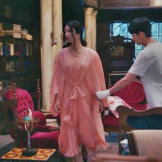 Lấn lướt cả Nữ hoàng sang chảnh Phạm Băng Băng khi đụng váy, đẳng cấp của Seo Ye Ji quả không đùa được đâu-4