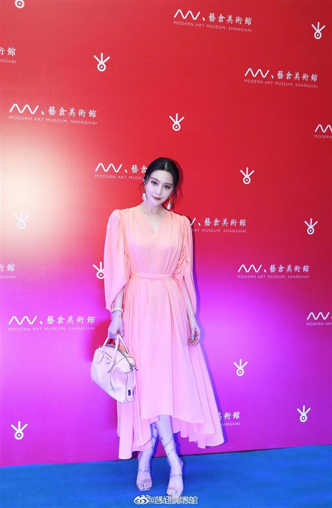 Lấn lướt cả Nữ hoàng sang chảnh Phạm Băng Băng khi đụng váy, đẳng cấp của Seo Ye Ji quả không đùa được đâu-6