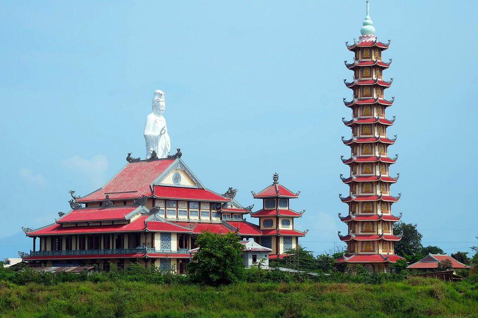 Điều tra vụ trẻ sơ sinh bị bỏ rơi, tử vong trước cổng chùa ở Đà Nẵng-1