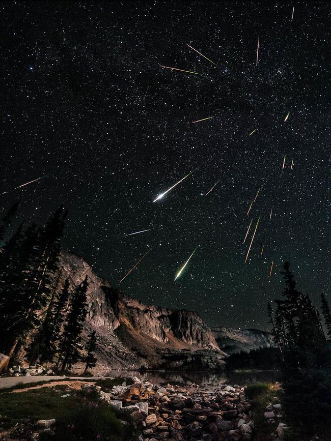 Đêm nay, đón siêu mưa sao băng đẹp nhất trong năm mang tên nam thần của bầu trời-1
