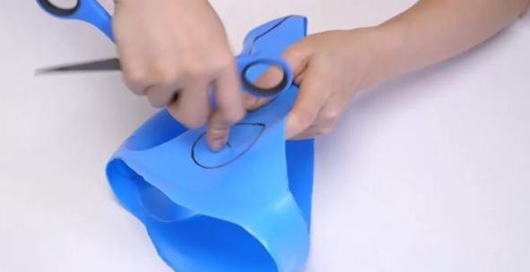 Đừng vứt chai nước giặt sau khi dùng hết, hãy tái chế thành vật dụng rất hữu ích thế này-12