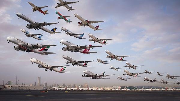 Ngoạn mục hàng trăm máy bay cất cánh cùng lúc như thể tắc đường hàng không cùng loạt khoảnh khắc ở sân bay khiến ai cũng há hốc-3