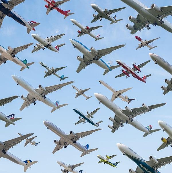 Ngoạn mục hàng trăm máy bay cất cánh cùng lúc như thể tắc đường hàng không cùng loạt khoảnh khắc ở sân bay khiến ai cũng há hốc-8