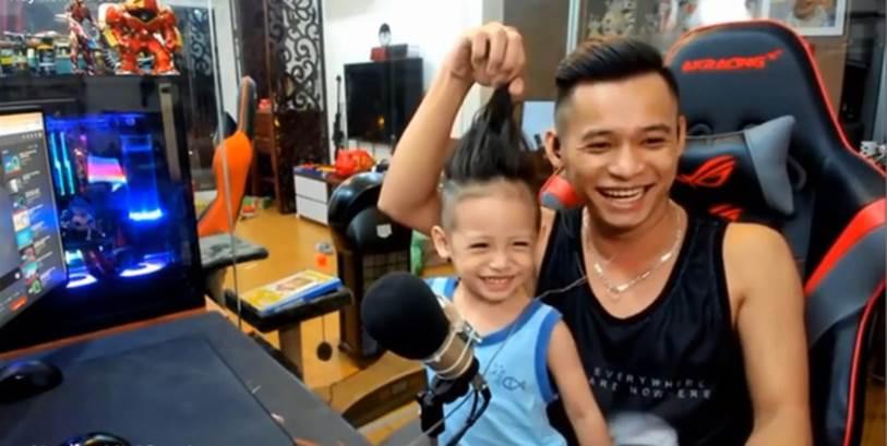 Độ Mixi - 1 trong top 4 streamer giàu nức tiếng lại gây bão với ảnh trông con khi đang live, thế mới nói: Chia tay vì bận lo sự nghiệp chỉ là lý do!-4